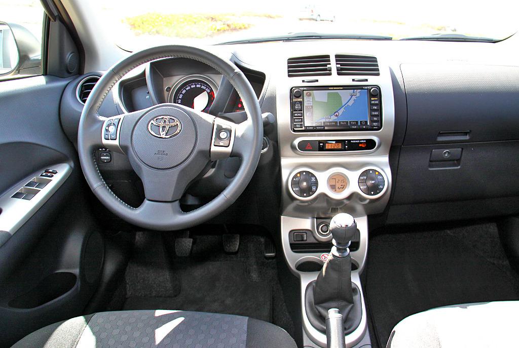 Toyota - Urban Cruiser - Bild(7)