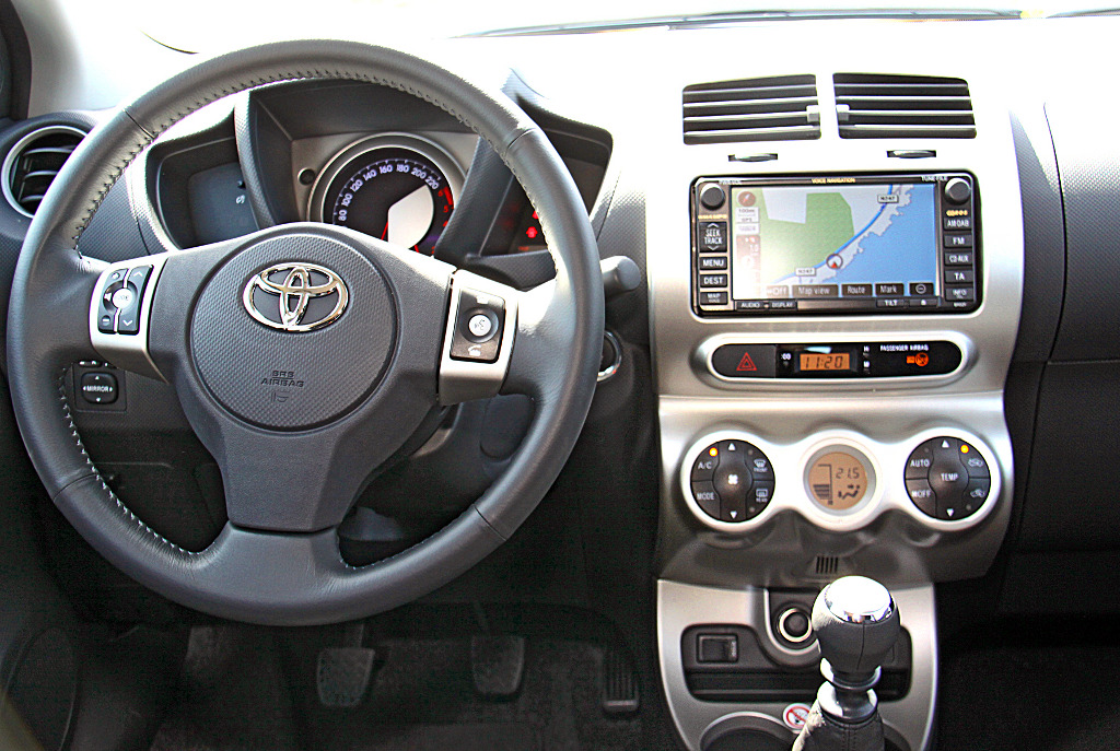 Toyota - Urban Cruiser - Bild(8)