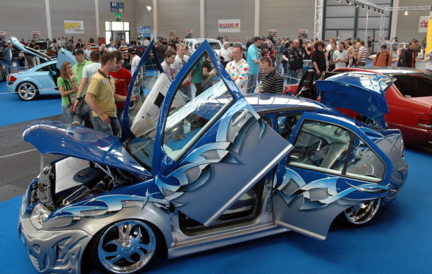 Tuning World Bodensee 2009: Power, Chrom und heiße Girls...
