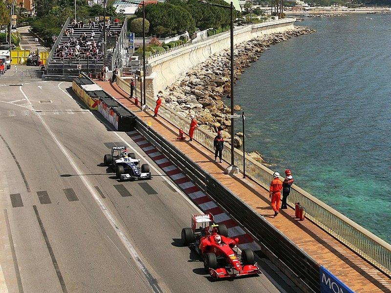 2. Training - Tagesbestzeit für Rosberg: Feuer bei Kubica