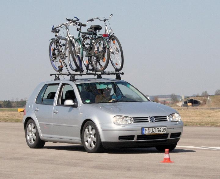 ADAC testete 14 Fahrradträger