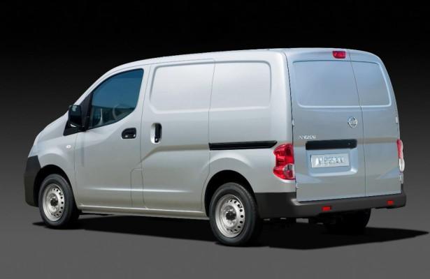 Barcelona 2009: Nissan zeigt Transportervariante des NV200