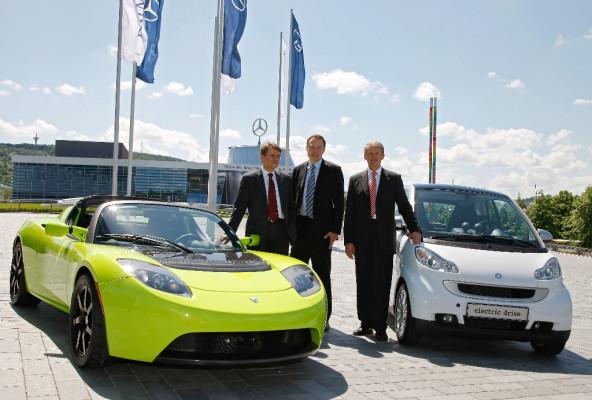 Daimler beteiligt sich an Elektroautopionier Tesla