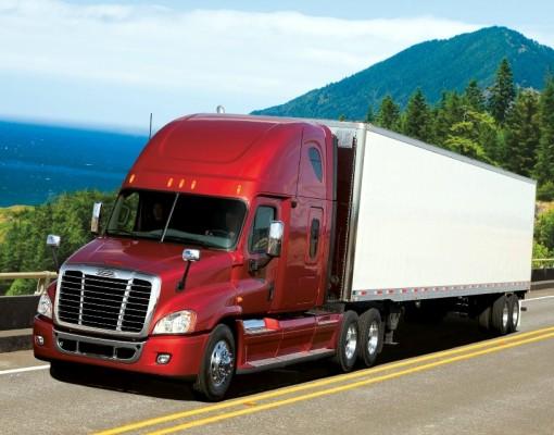 Daimler liefert erste Blue-Tec-Lkw in den USA zur Kundenerprobung aus