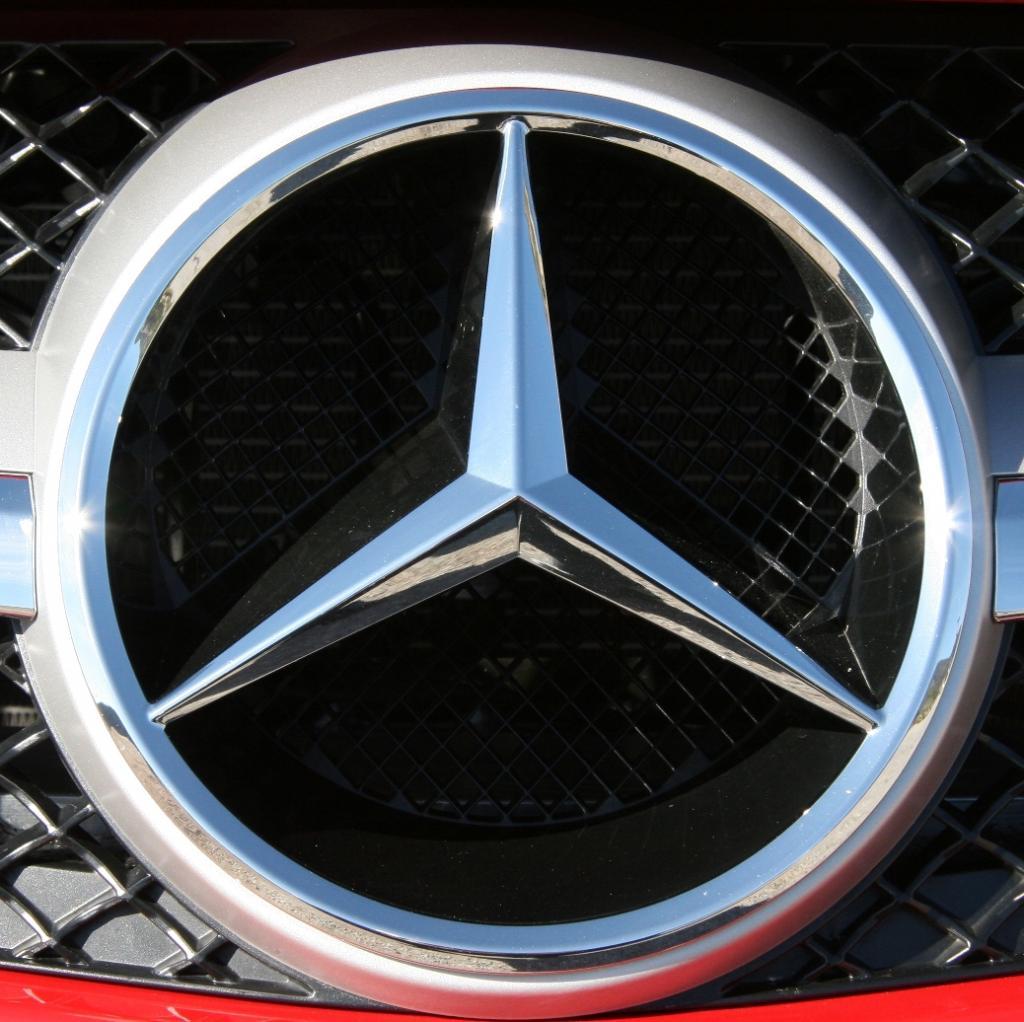 Mercedes-Benz Cars lieferte im April 90 900 Fahrzeuge an Kunden aus