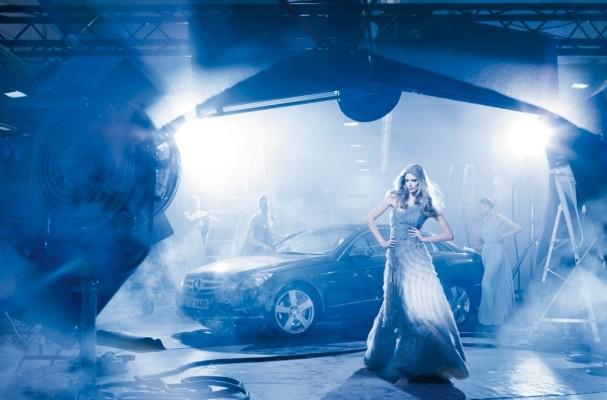 Mercedes-Benz E-Klasse Coupé in Szene gesetzt
