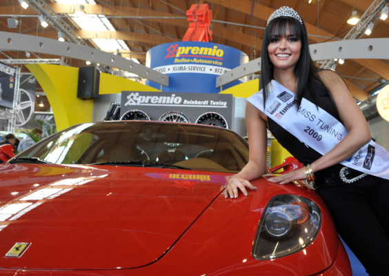 Miss Tuning 2009 heißt Martina Ivezaj