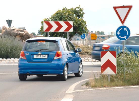 Servicethema: Sicher durch den Kreisverkehr