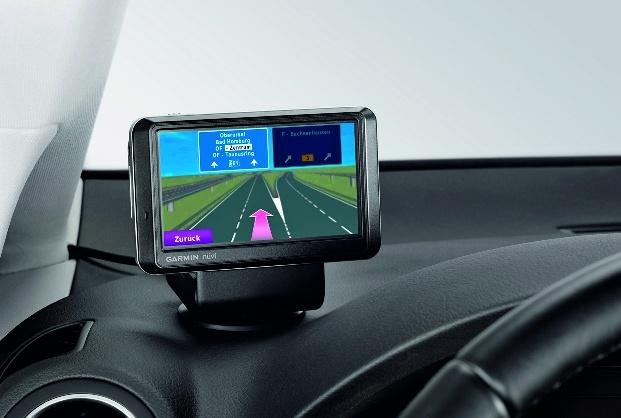 """Volkswagen Zubehör bietet mobile Navigationslösung """"Click and Ride"""""""