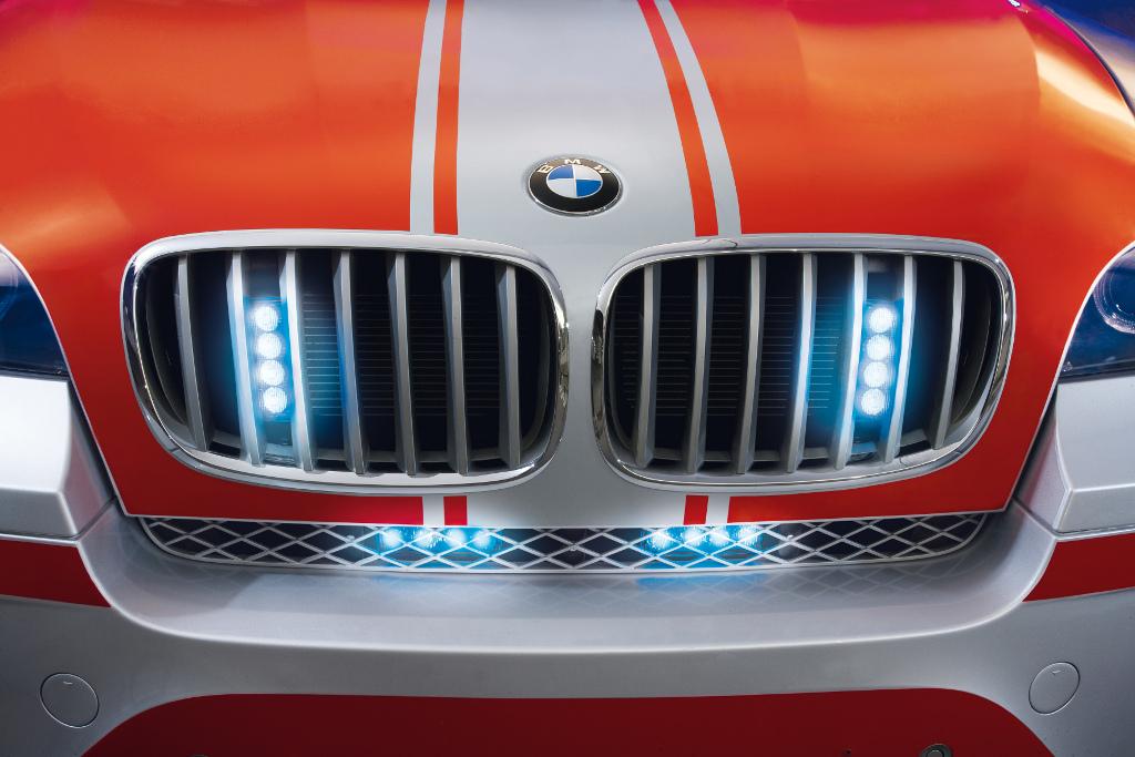 X6: BMW zeigt X6 als Notarzteinsatzfahrzeug