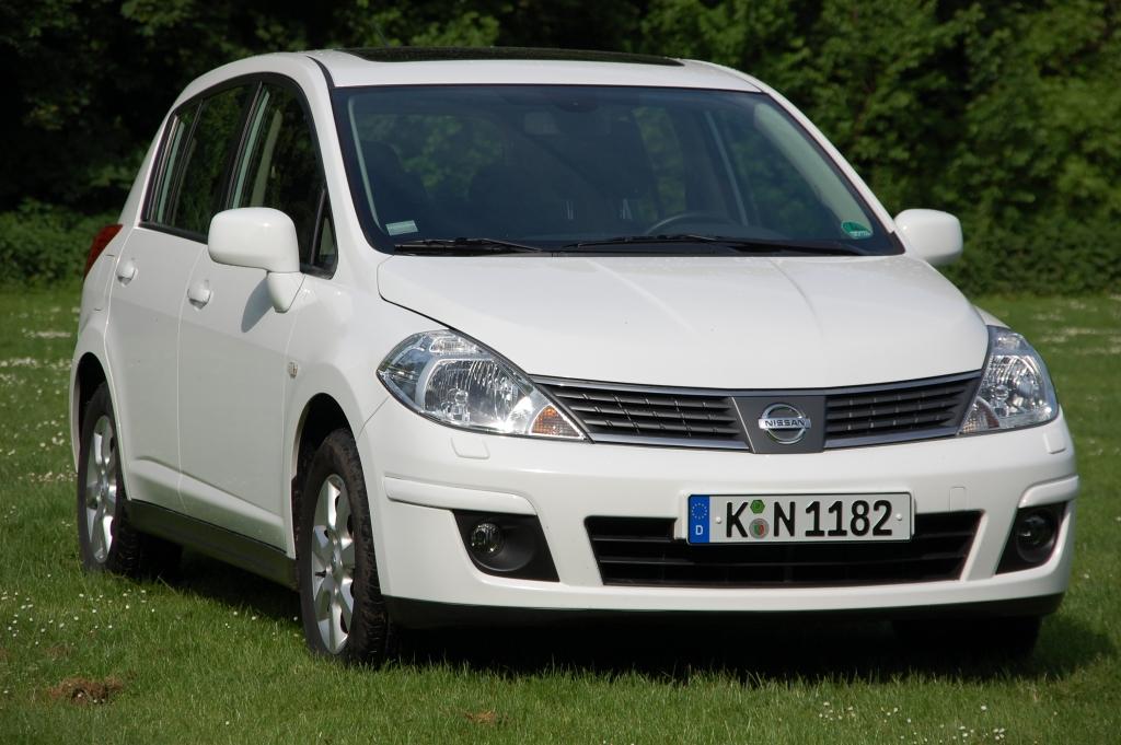 Braucht der Straßenverkehr den Nissan Tiida? Ein Auto. Ein Statement.
