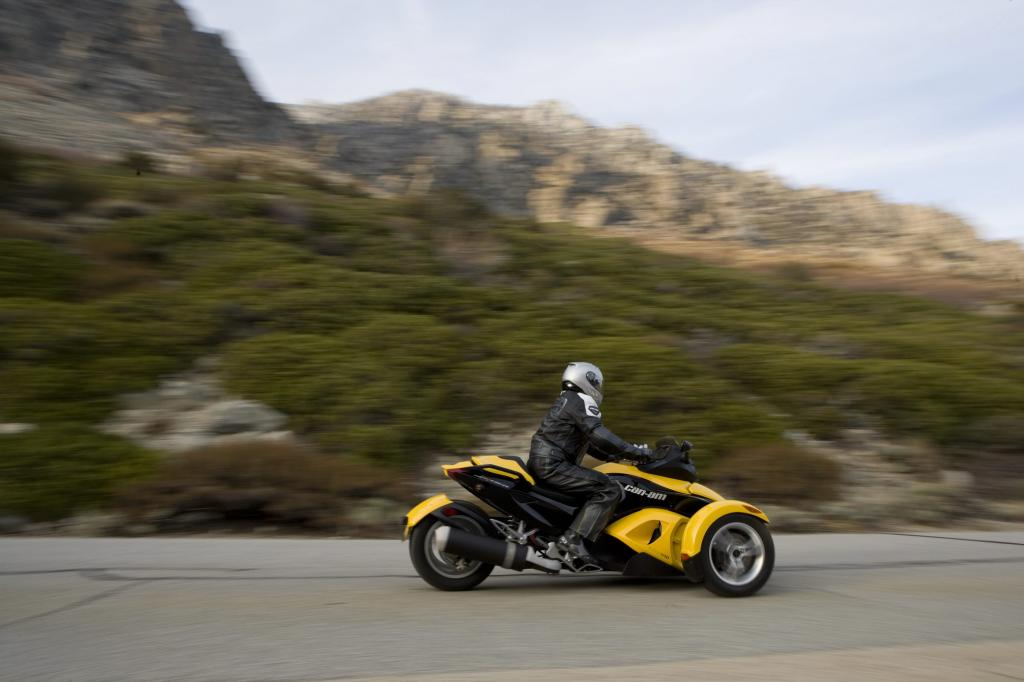 Can-Am Spyder Roadster: Dreirädriges Spaßmobil  - Bild(2)