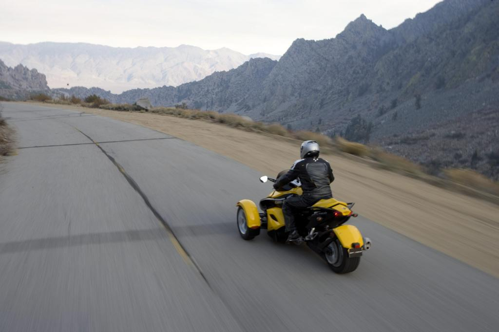 Can-Am Spyder Roadster: Dreirädriges Spaßmobil  - Bild(3)