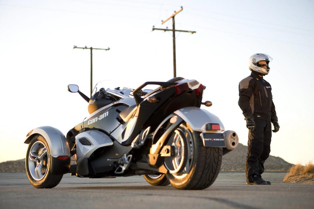 Can-Am Spyder Roadster: Dreirädriges Spaßmobil  - Bild(5)