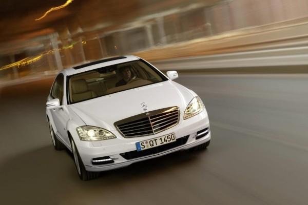 Daimler bekommt Umweltpreis für Lithium-Ionen-Batterien
