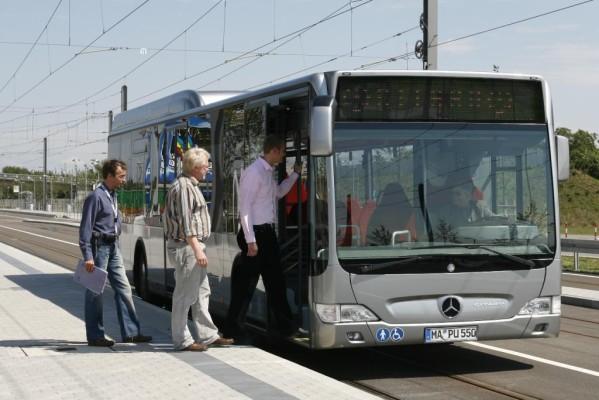 Daimler liefert 144 Stadtbusse an Berliner Verkehrsbetriebe