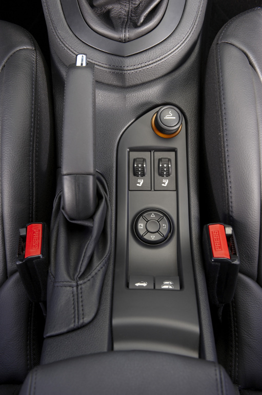 Erstkontakt Peugeot 308 CC Platinum HDi FAP: Da läuft's heiß den Rücken runter...  - Bild(8)