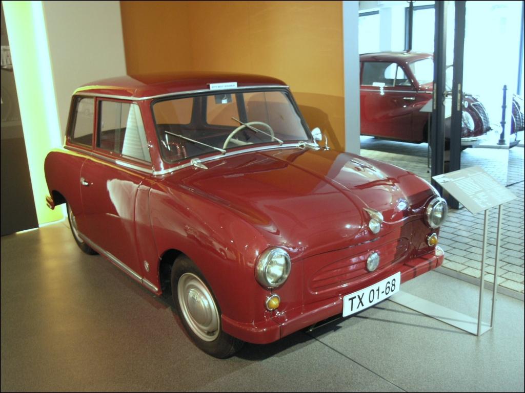 "Es lebe die""Pappe""– der Trabant Automobile Lebensfreude."