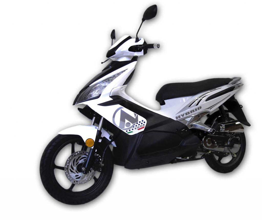 Italienischer Hybrid-Roller für 3 000 Euro