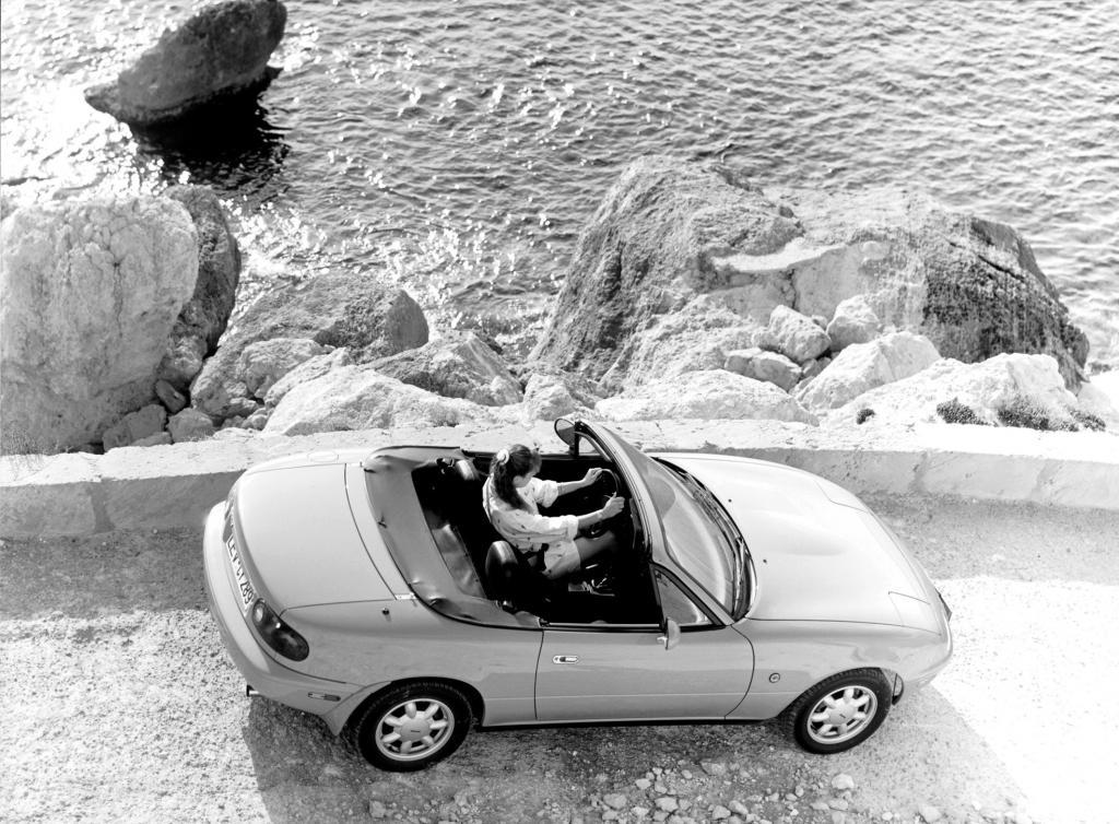 Mazda MX-5: Der Kult-Roadster wird 20   - Bild(2)