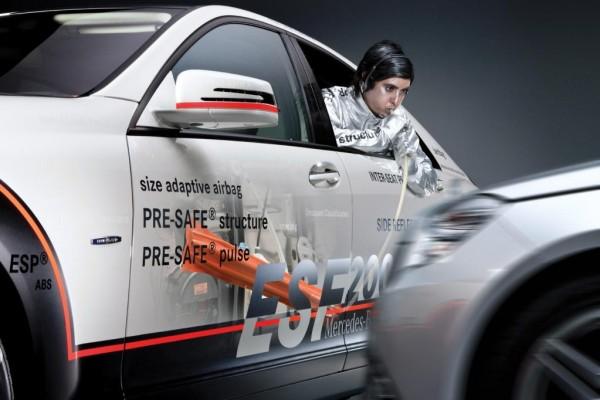Mercedes-Benz präsentiert aufblasbare Schutzsysteme