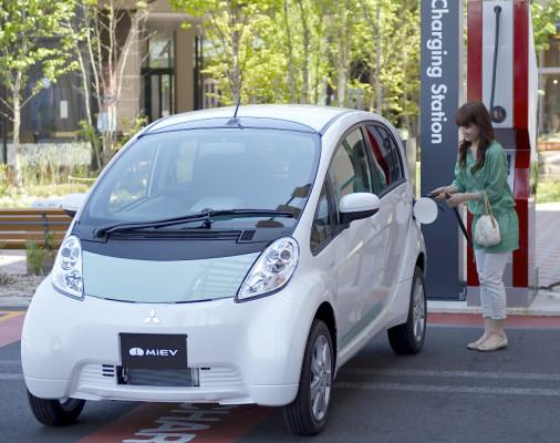Mitsubishi startet Serienproduktion des i-MiEV