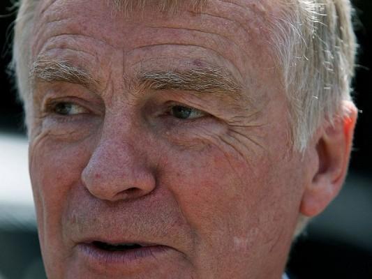 Mosley bleibt bis Oktober im Amt: Nicht die FOTA entscheidet
