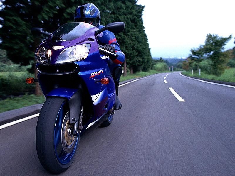 Motorrad-Sportreifen im Test: Michelin knapp vor Conti