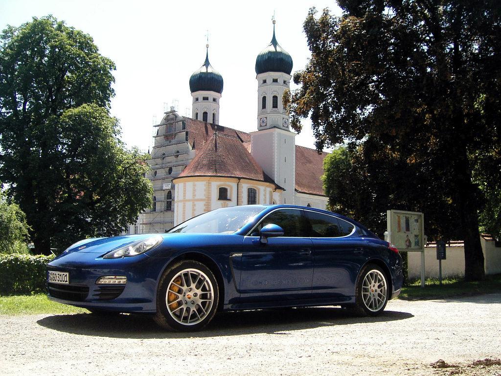 Porsche Panamera: Flach, breit, stark - Bild(7)