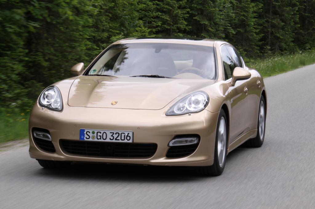 Porsche Panamera schließt die Lücke zwischen 911 und Cayenne