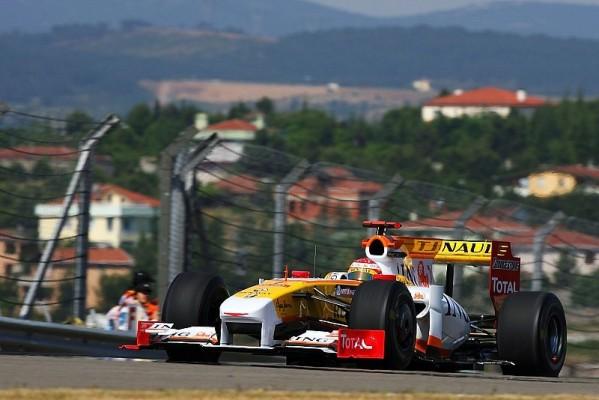 Renault auf Platz 2: Alonso stapelt tief