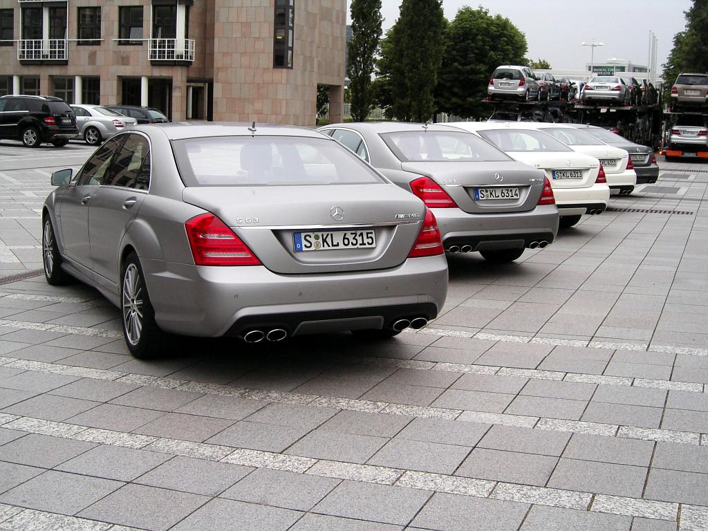 S 63 AMG: Mercedes S-Klasse AMG wahlweise mit 525 oder 612 PS: Leistung satt und Luxus pur