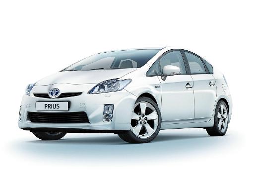 Toyota verleast 200 Plug-In-Hybride in Japan