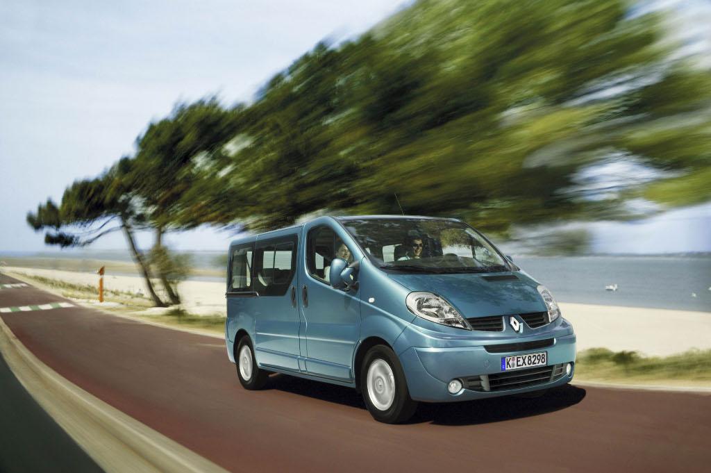 Trafic: Renault Trafic Passenger jetzt auch mit langem Radstand