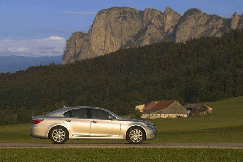 US-Autokäufer glücklich mit Lexus, Porsche und Cadillac