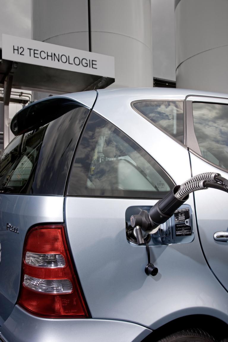 Wasserstoff-Tankstelle in Stuttgart eröffnet