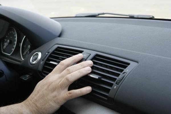Abkühlung im Auto: Worauf Passagiere achten müssen