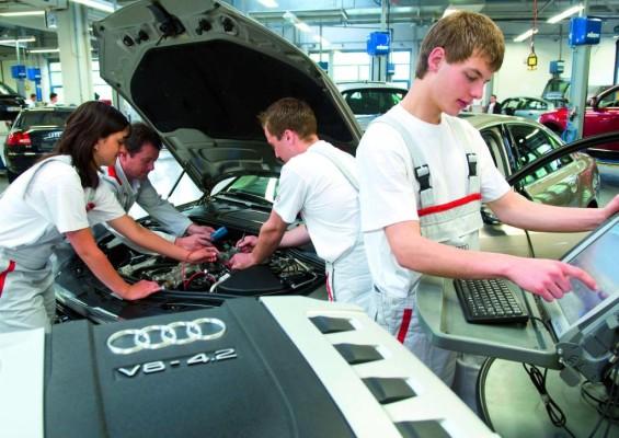 Audi informiert über Chancen für Berufseinsteiger