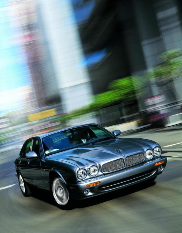 Automarken A - Z: Jaguar auf 37. Oldtimer-Grand-Prix auf dem Nürburgring vertreten