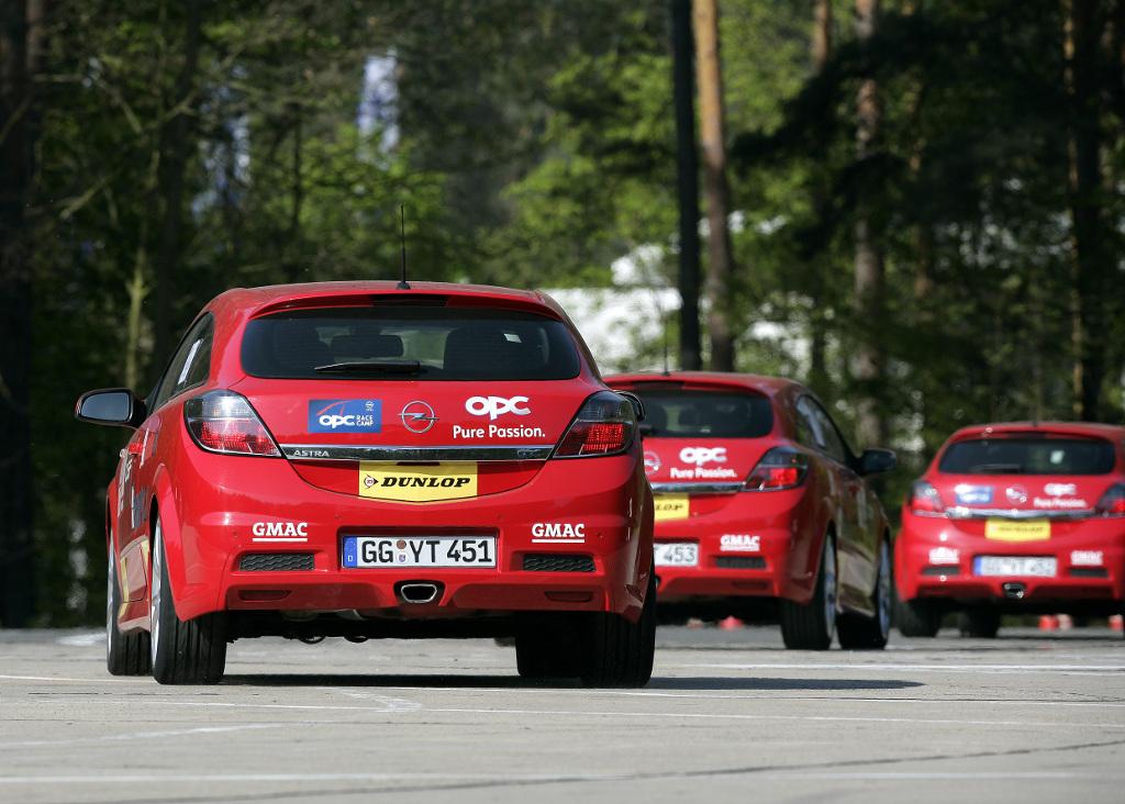 Automarken A - Z: Opel OPC Race Camp: 22 Kandidaten gehen erstmals auf die Rennstrecke