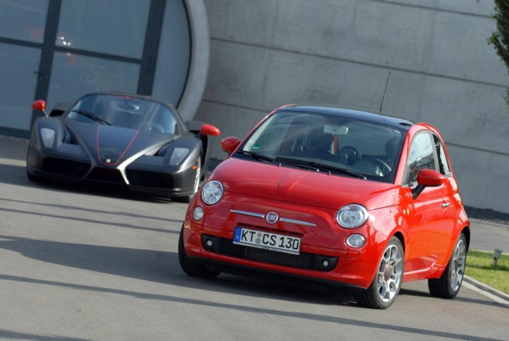 Der Fiat 500 hat Geburtstag – und feiert sich mit einem Flashmob Sportlichkeit gepaart mit Sicherheit.
