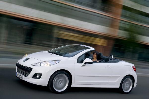Doppeltest: Purismus vs. Komfort - Mazda MX-5 gegen Peugeot 207 CC
