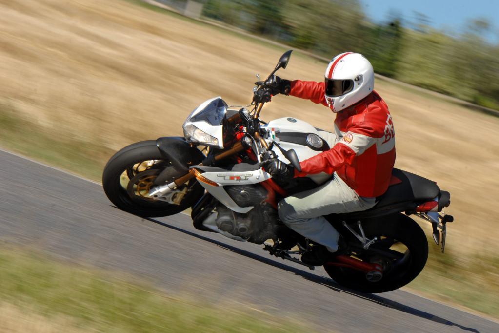Fahrbericht Benelli TNT 1130 Sport EVO: Radikale Fahrmaschine aus Italien