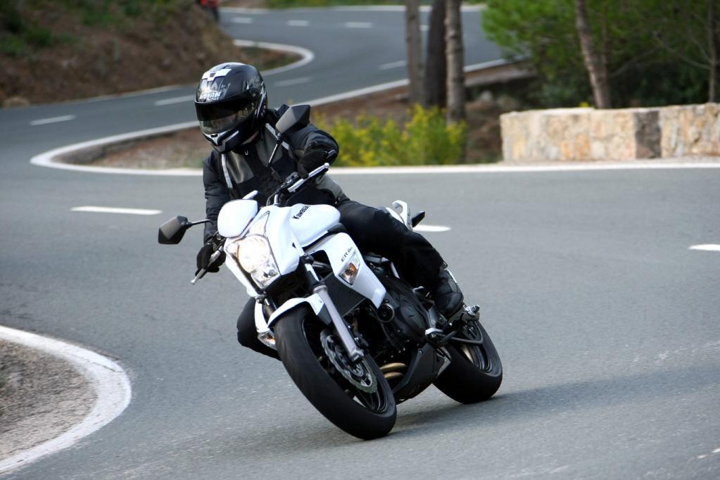 Fahrbericht Kawasaki ER-6n ABS: Neue Talente und gewohnte Qualität