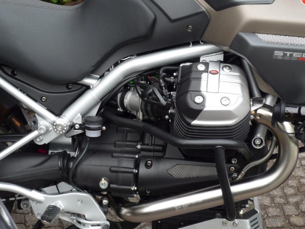 Fahrbericht Moto Guzzi Stelvio NTX: Die etwas andere Reiseenduro  - Bild(3)