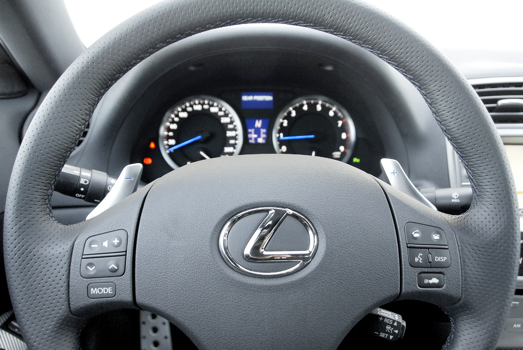 IS-F: Lexus IS-F: Timo Glocks Dienstwagen ist eine Spaßkanone