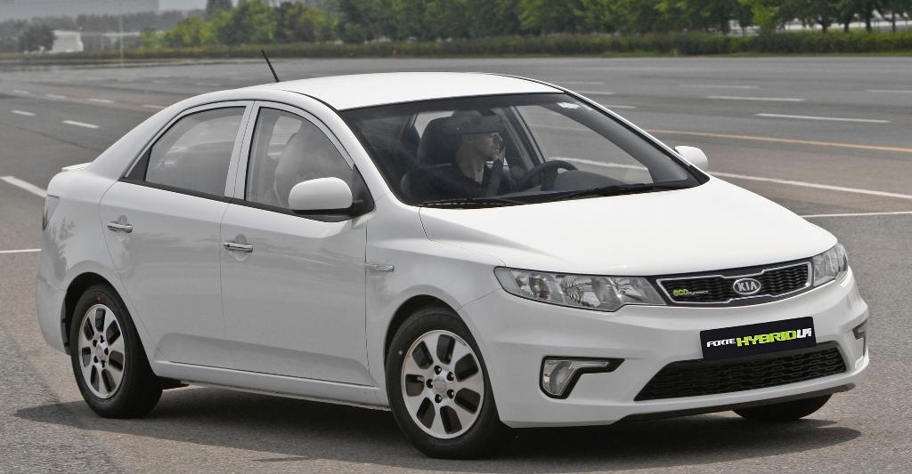 Kia bringt sein erstes Hybrid-Fahrzeug
