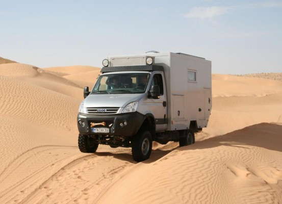 Mit dem Iveco Daily 4x4 durch die Wüste