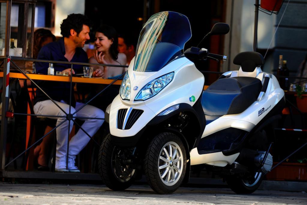 Piaggio mp3 Hybrid: Trendsetter mit Doppelherz