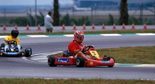 Schumacher mit blauen Flecken: Kartfahren gegen F1-Piloten